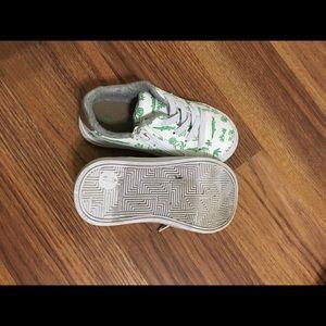 Cat & Jack Shoes - Cat and jack Safari sneakers
